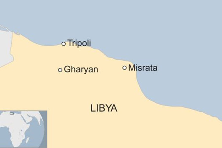 Thousands flee amid clashes in Libya