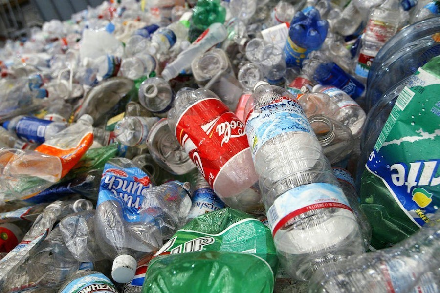 Reducing single-use plastic and recycling of plastic wastes