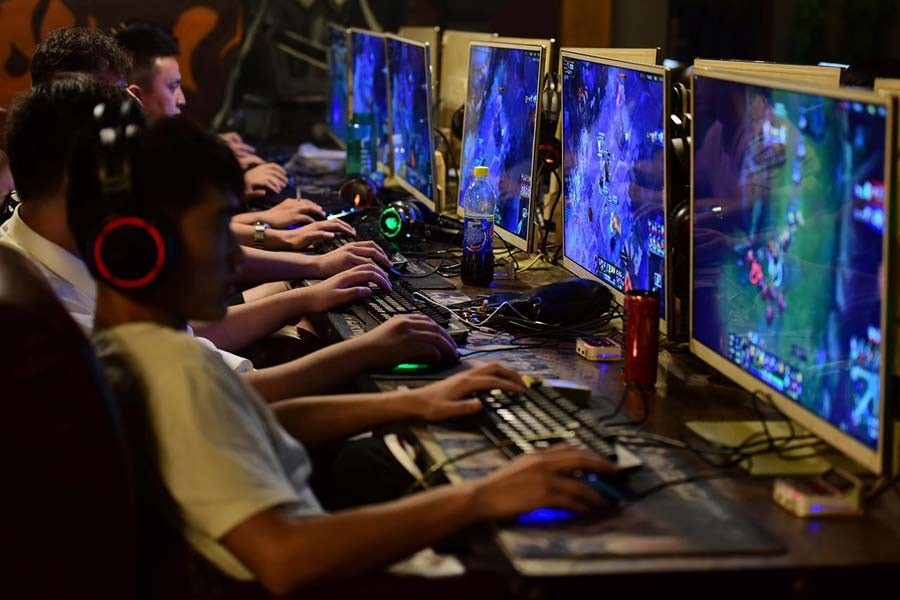 China issues new rules on for publishing online games