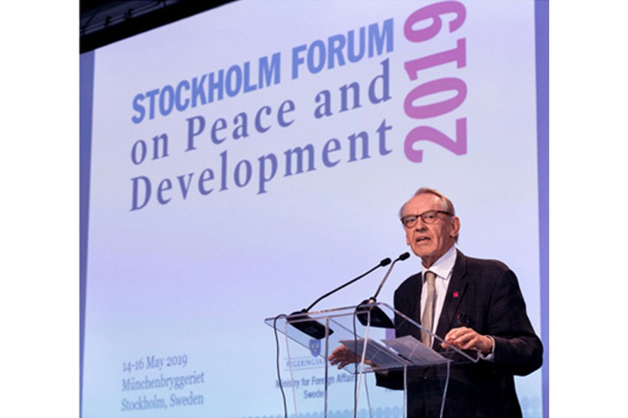 Jan Eliasson, chair of the Governing Board of SIPRI and a former UN Deputy Secretary-General, addressing the SIPRI Forum