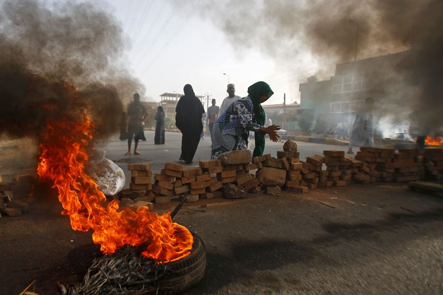 Sudan protesters reject army election plan as crackdown kills 35
