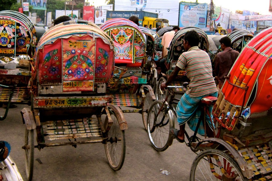 Rickshaw owners' association gives ultimatum to withdraw ban