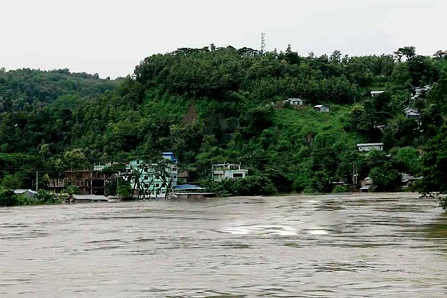 Heavy rains hit Bandarban, low-lying areas go under water