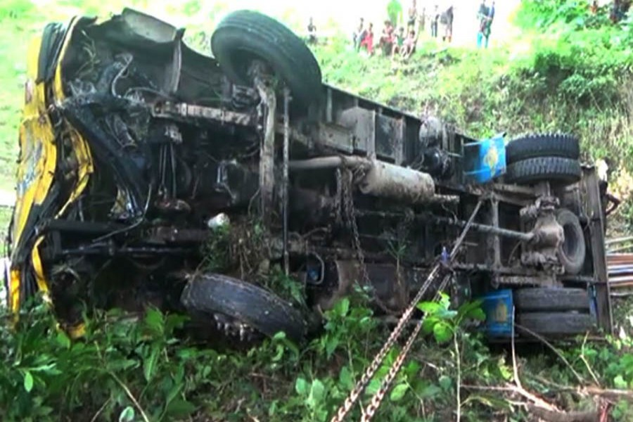 Two die in Faridpur as lorry plunges into ditch