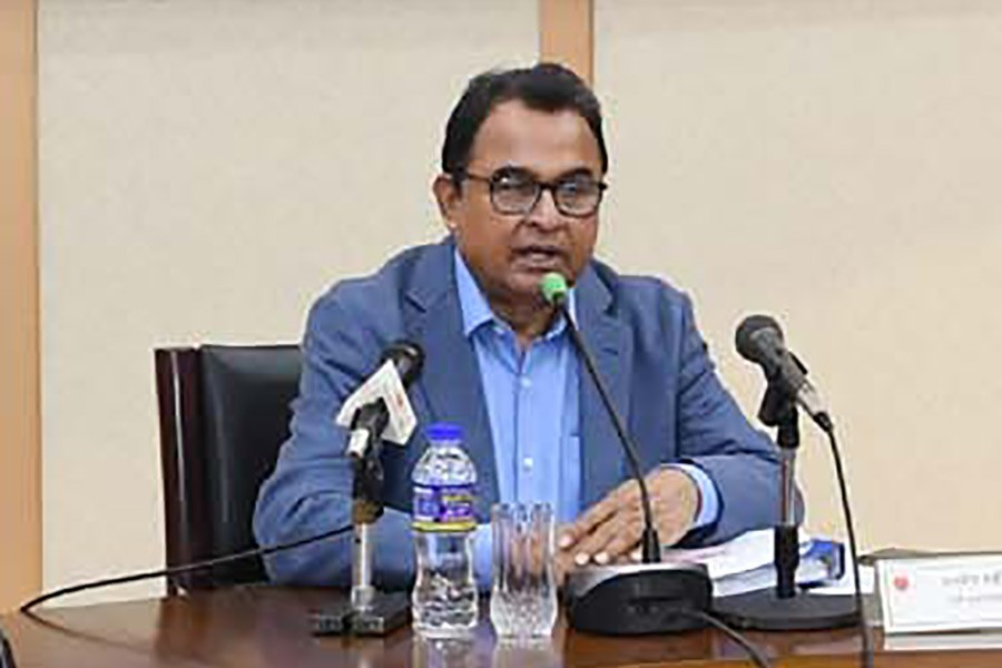 Finance Minister AHM Mustafa Kamal  addressing a meeting with the concerned stakeholders of the capital market at the NEC conference room in the city's Sher-e-Bangla Nagar area on Monday. -PID Photo