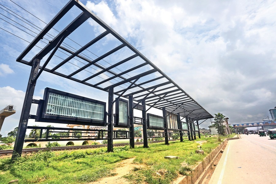 A passenger shed built beside the Airport Road as part of a beautification project remains half-done — FE photo