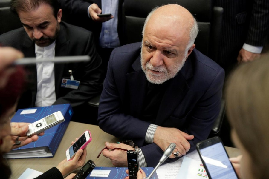 FILE PHOTO: Iran's Oil Minister Bijan Zanganeh talks to journalists at the beginning of an OPEC meeting in Vienna, Austria, November 30, 2017. REUTERS/Heinz-Peter Bader/File Photo