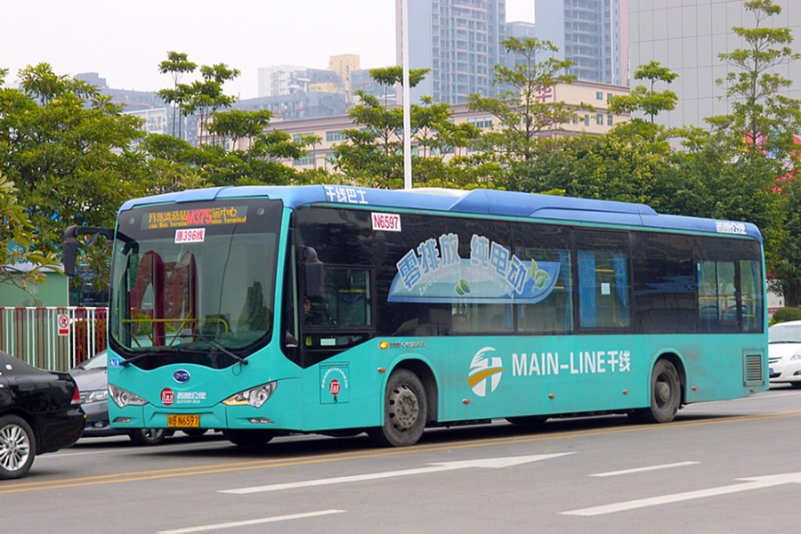 The battery-run BYD K9 is a fully electric city bus manufactured by the Chinese automaker BYD Auto. Photo source: Wikipedia