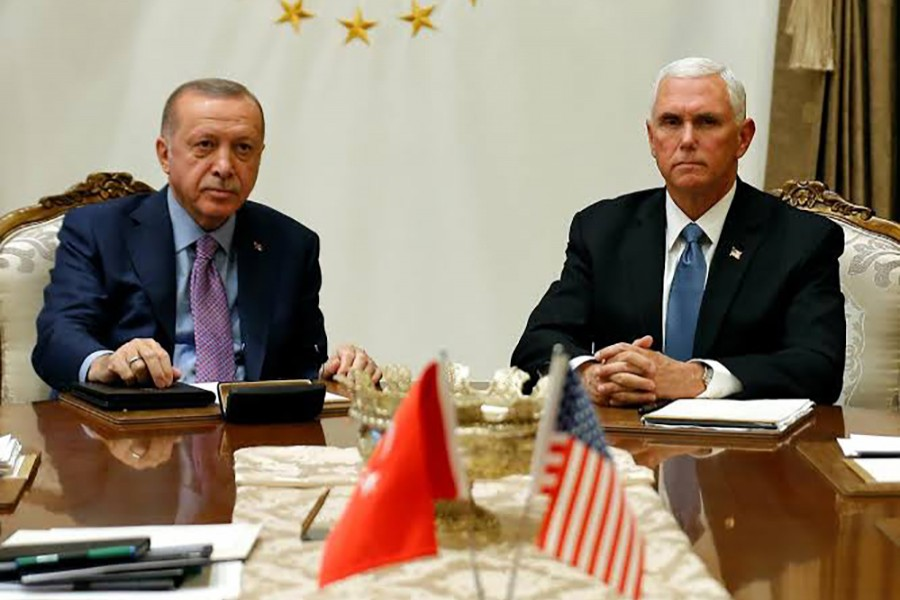 US Vice President Mike Pence (right) meets with Turkish President Tayyip Erdogan at the Presidential Palace in Ankara, Turkey on October 17, 2019 — Reuters photo