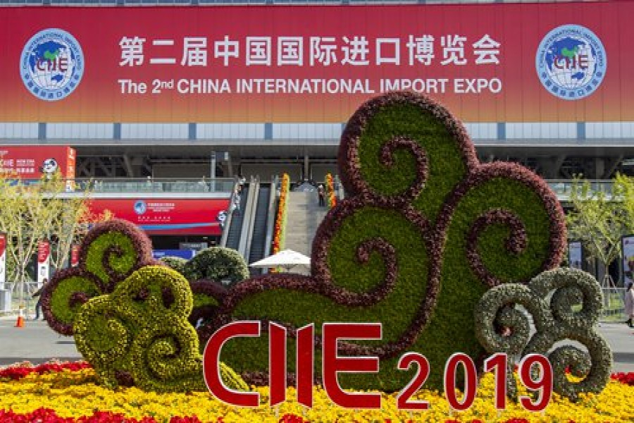 Import Expo to change West's opinion