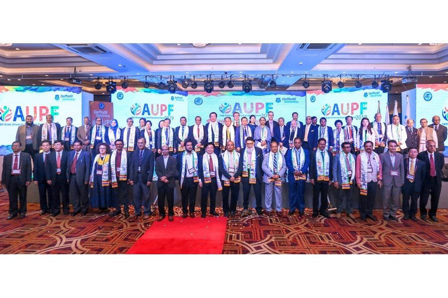 Dr Dipu Moni, MP, minister for education, Ministry of Education, Professor Dr Abdul Mannan Choudhury, vice chairman, Association of Private Universities of Bangladesh (APUB) and Dr Md Sabur Khan, standing committee member of AUPF and chairman, Daffodil International University along the participants of 18th Asian University Presidents Forum 2019 (AUPF 2019) at the opening ceremony hosted by Daffodil International University in collaboration with Association of Private Universities of Bangladesh (APUB)