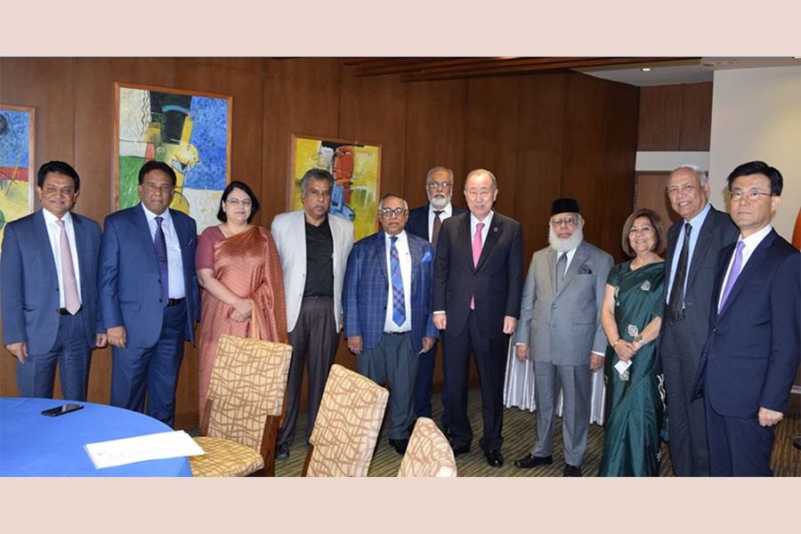 Dr. Ban Ki-moon (5th from right), former UN secretary-general and Chairman of the Global Commission on Adaptation posing for a photograph after a meeting with ICC Bangladesh President Mr. Mahbubur Rahman (4th from right) and other members of ICCB during his recent visit to Dhaka