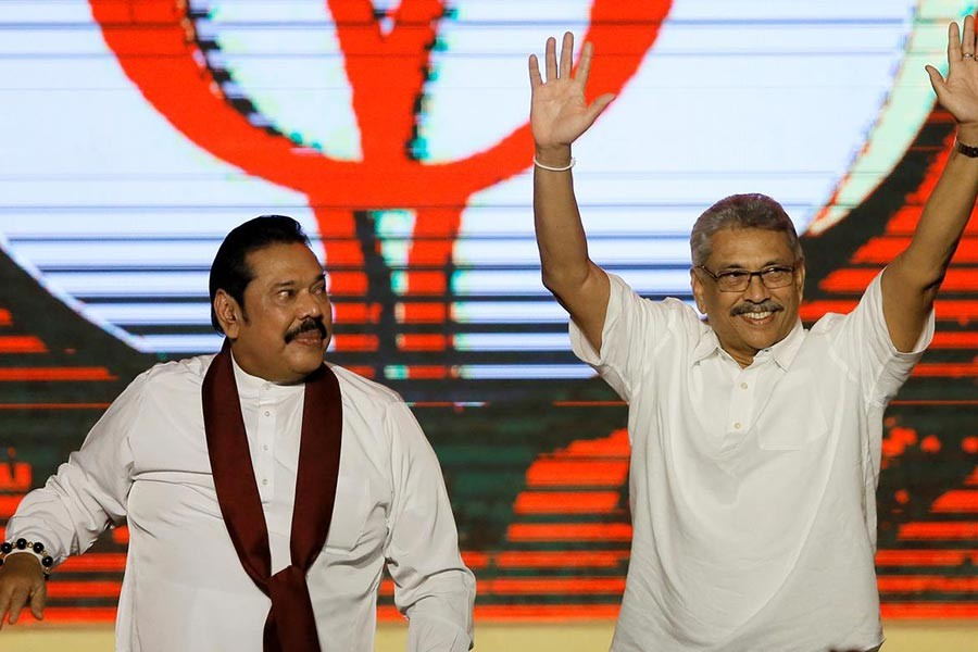 Gotabaya Rajapaksa (R) and his brother Mahinda Rajapaksa -Reuters file photo