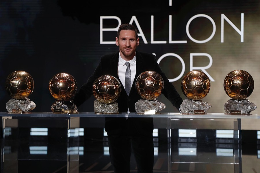 Barcelona's Lionel Messi with the Ballon d'Or award. Photo courtesy: FC Barcelona via Twitter