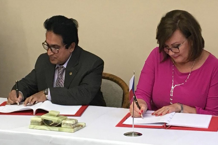 NBR chairman Md Mosharraf Hossain Bhuiyan, also senior secretary of the Internal Resources Division (IRD),  and Czech Republic's deputy prime minister-cum-finance minister Alena Schillerova signing a double taxation avoidance agreement (DTAA) at Prgue on Wednesday
