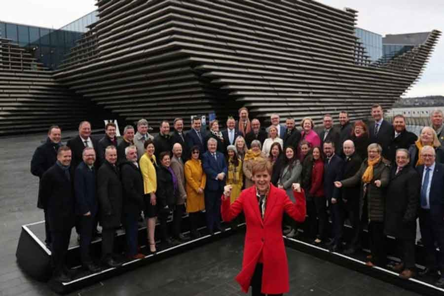 Sturgeon  mulls another Scottish independence vote
