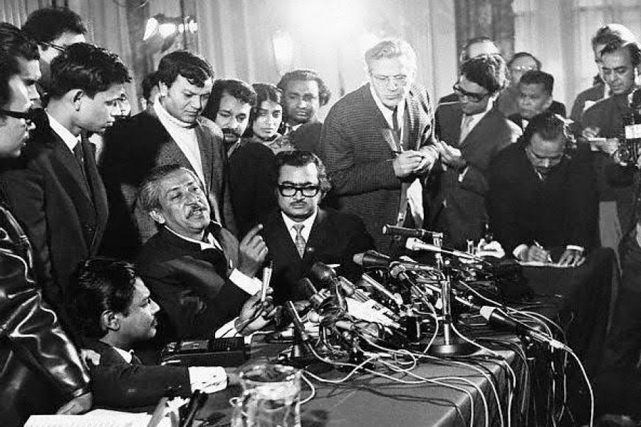 Sheikh Mujibur Rahman at the London press conference talking to the world media after his release from Pakistani prison (January 08, 1972)
