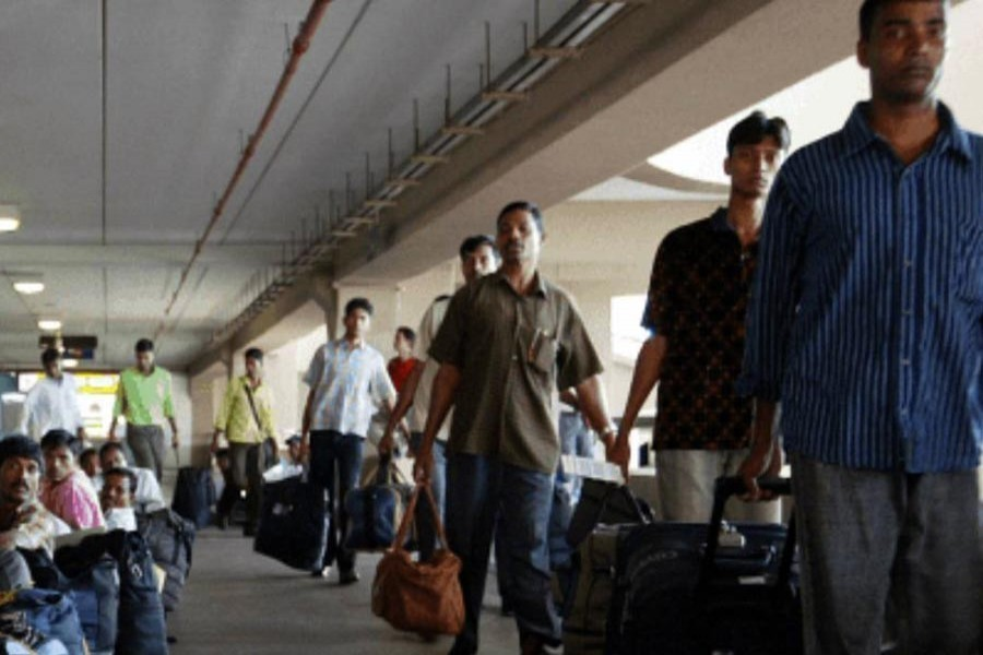 100,000 Bangladeshi workers deported from abroad in 2019