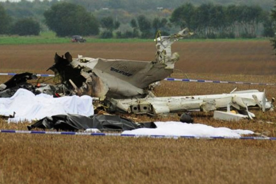 Two die in plane crash in Chile