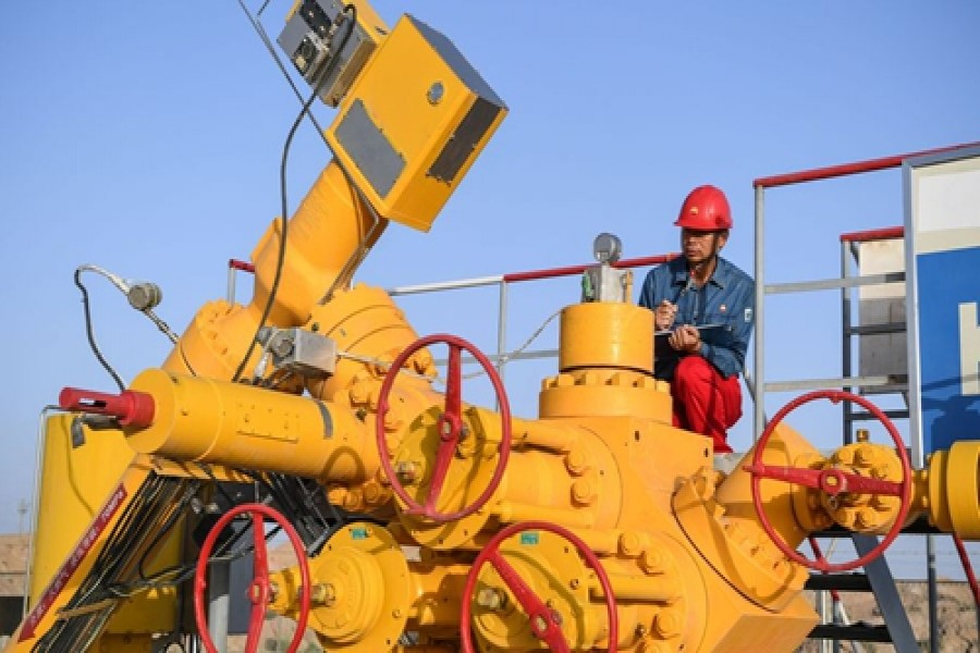 China's natural gas output growth quickens in 2019