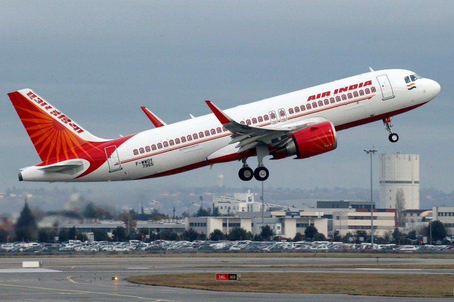 An Air India Airbus A320neo plane takes off in Colomiers near Toulouse, France, December 13, 2017. Reuters/Files