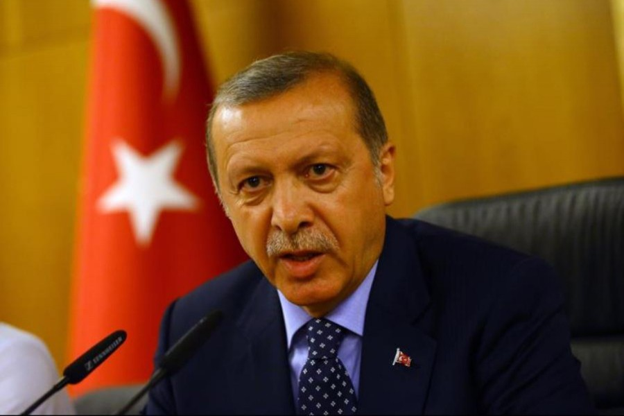 Erdogan says Turkey hits back after Syrian shells kill Turkish troops