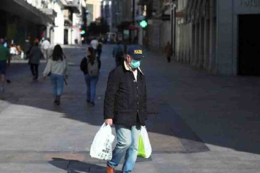 Coronavirus: Spanish cases up by 1,500 in one day