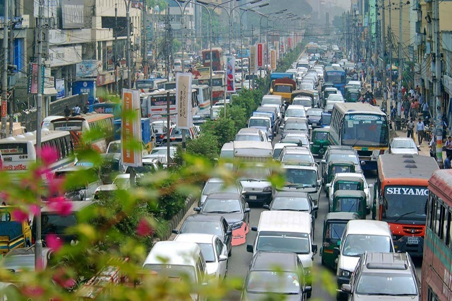 Traffic gridlock a bane for commuters