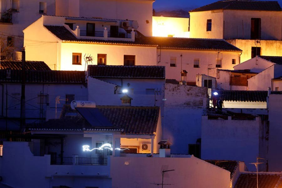 People turn on flashlights from their homes in support for healthcare workers during the coronavirus disease (COVID-19) outbreak, in Ronda, southern Spain on Saturday. –Reuters Photo
