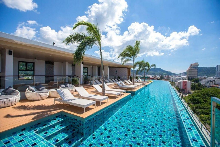 All hotels in Phuket to shut down until further notice