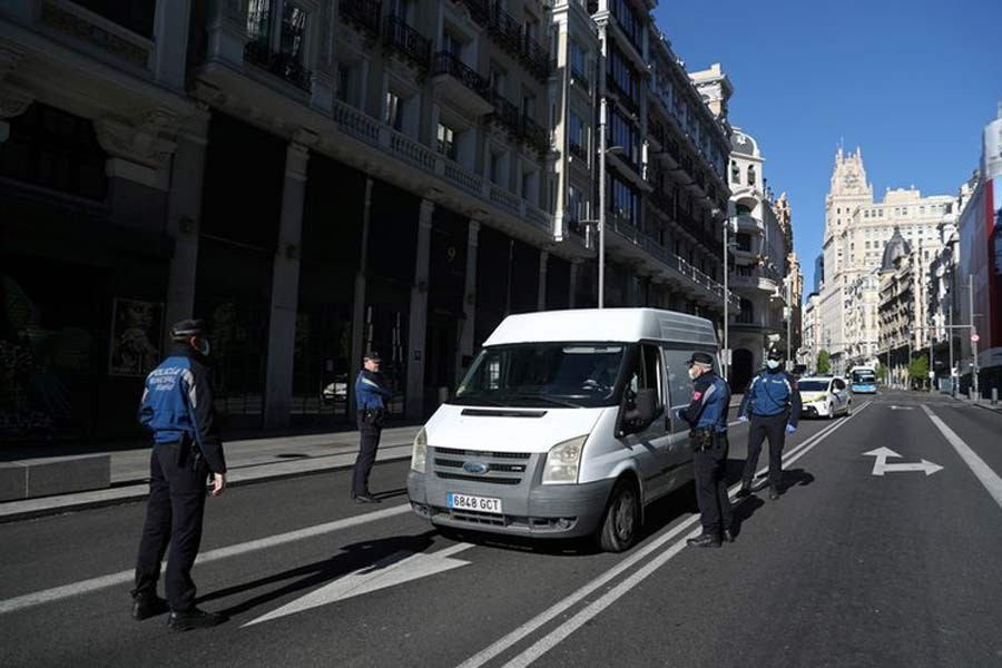 Spain records lowest daily death toll as lockdown eases