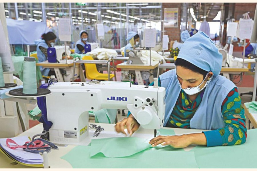Many garment workers are facing job cut and non-payments —FE Photo
