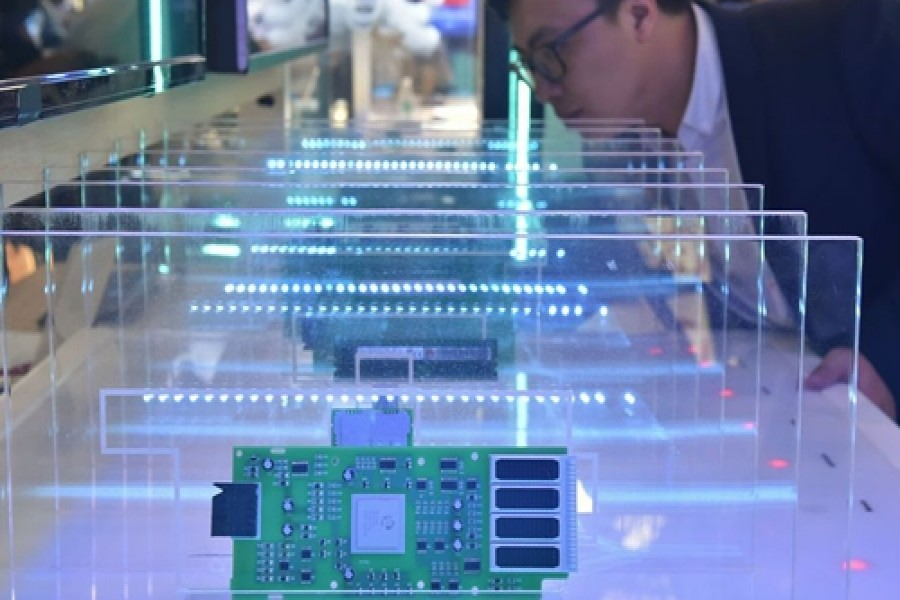 Huawei to stockpile more chips as US tightens technology restrictions