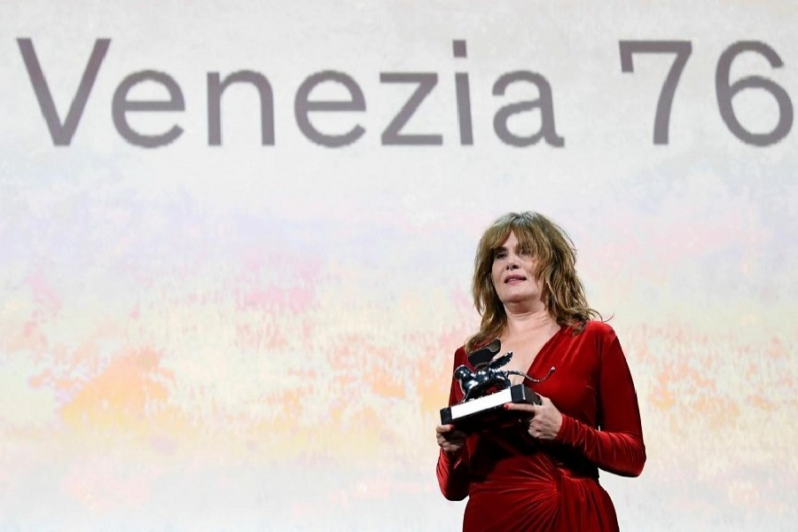 The 76th Venice Film Festival - Awards Ceremony - Venice, Italy, September 07, 2019 - Emmanuelle Seigner accepts on behalf of director Roman Polanski the Silver Lion award - Grand Jury Prize. — Reuters