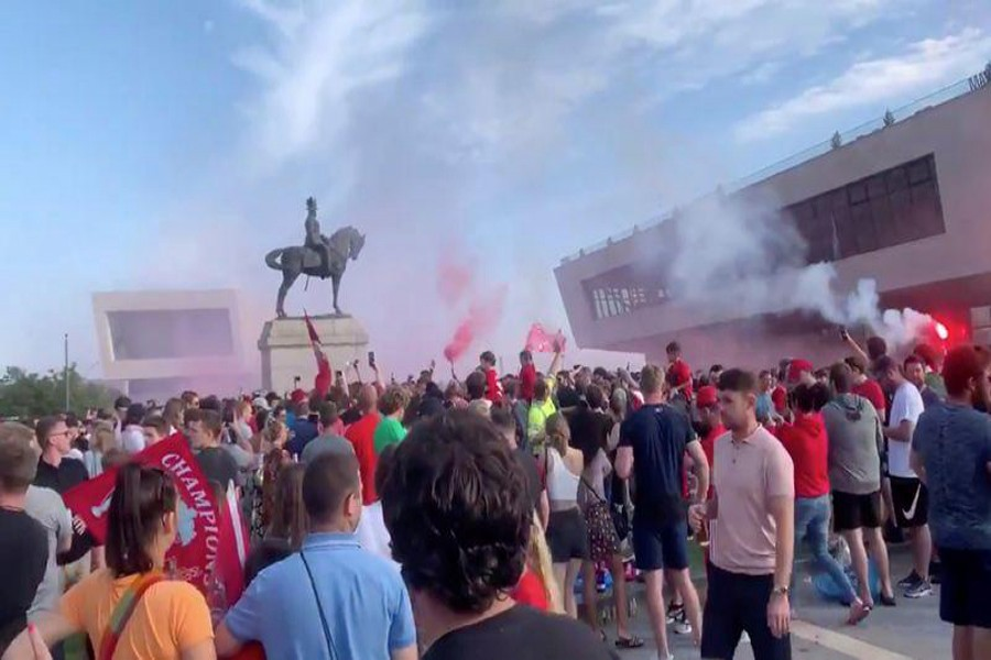 Liverpool condemns irresponsible behaviour of fans