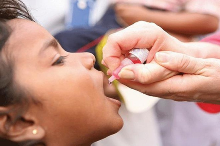 WHO, UNICEF warn of decline in children's vaccinations during COVID-19