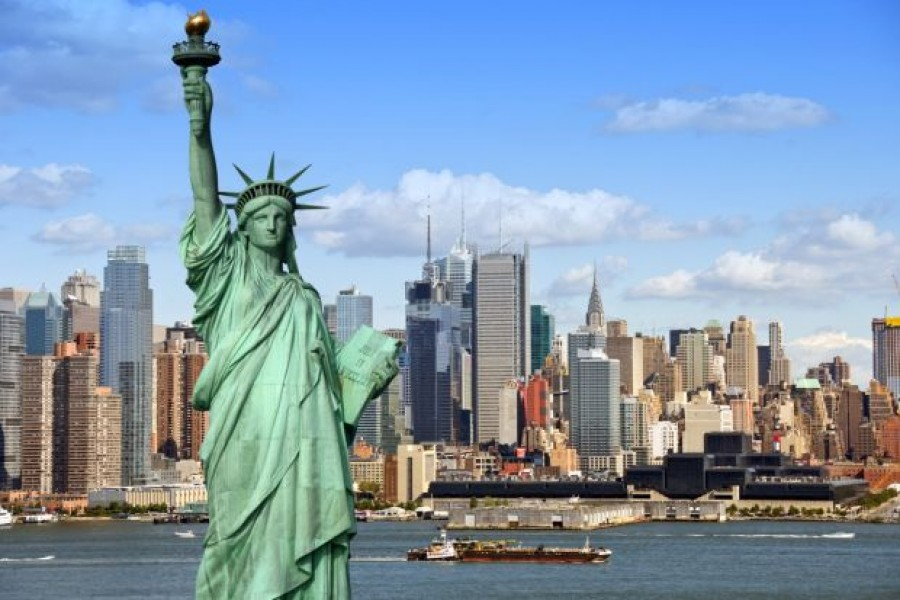 New foreign students can't enter US if courses online