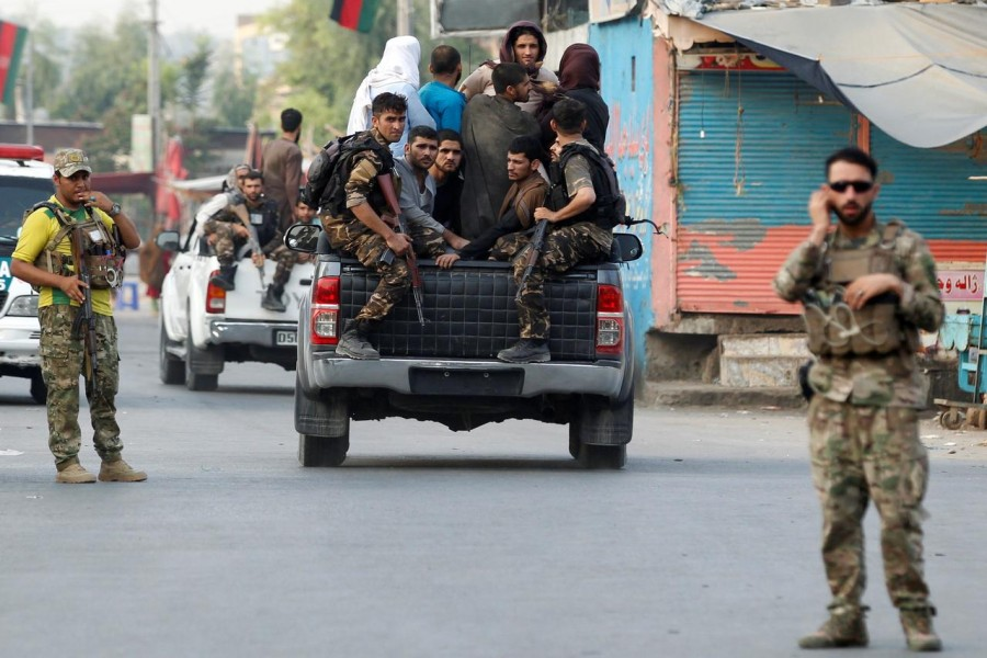 Afghan security forces transport detained prisoners who escaped from a jail after insurgents attacked a jail compound in Jalalabad, Afghanistan on August 3, 2020 — Reuters photo