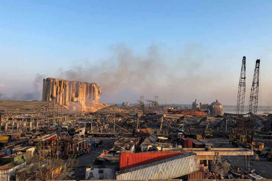 A view shows the aftermath at the site of Tuesday's blast in Beirut's port area, Aug. 5 | Photo: REUTERS/Issam Abdallah
