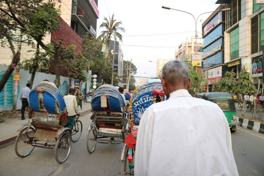 Easing movement on city footpaths