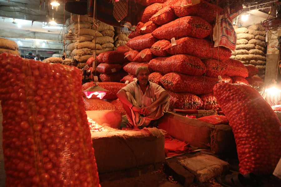 BB orders banks to cap LC margin on onion import