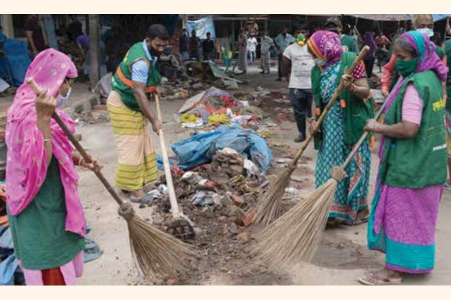 Safety of cleaners, street sweepers and garbage collectors