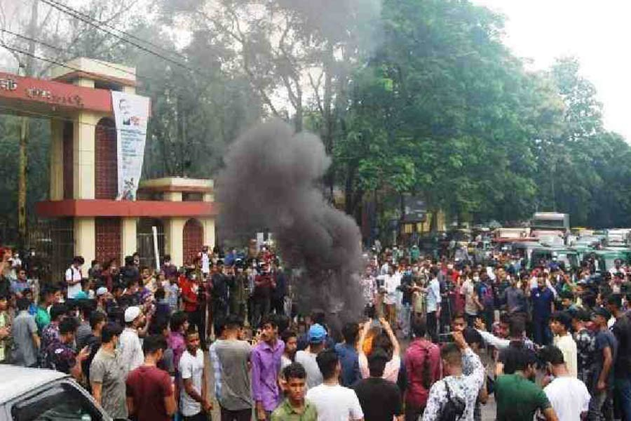 'Gang-rape' in Sylhet MC College dormitory triggers protests