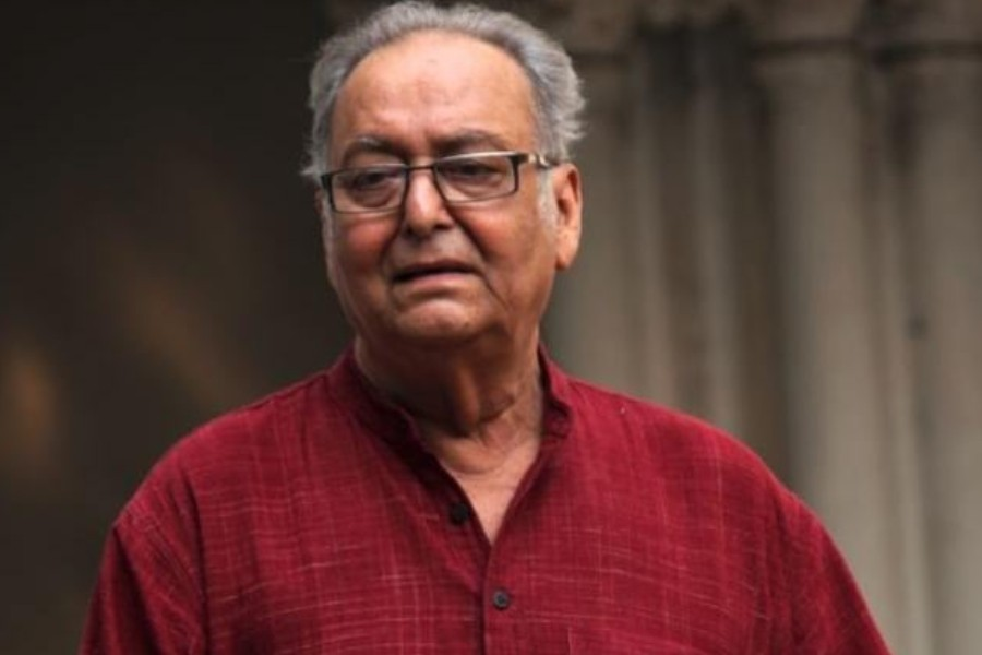 - Soumitra Chattopadhyay is a celebrated Bengali actor, best known for his collaboration with Oscar-winner Satyajit Ray and the Feluda series