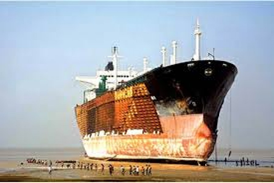 Occupational safety of ship breaking workers