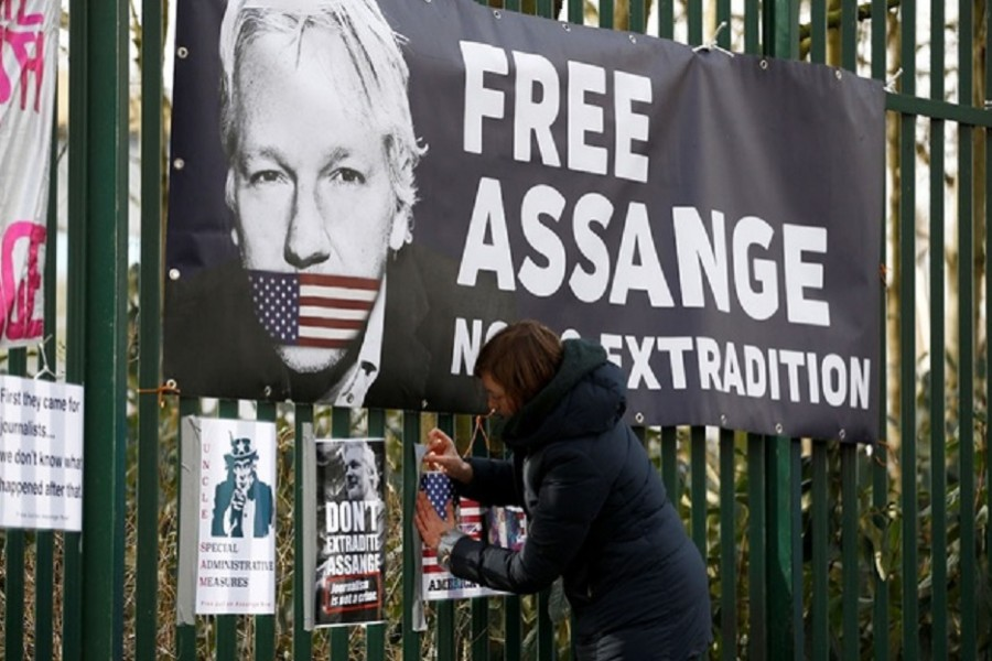 UK judge rejects extraditing Assange to US