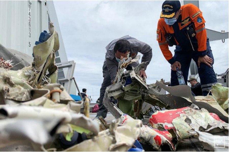 Indonesia recovers 'black box' from crashed Sriwijaya Air plane