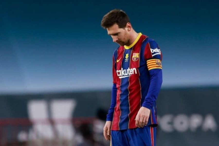Barcelona's Lionel Messi looks dejected after Athletic Bilbao's Asier Villalibre scores their second goal  — Reuters photo