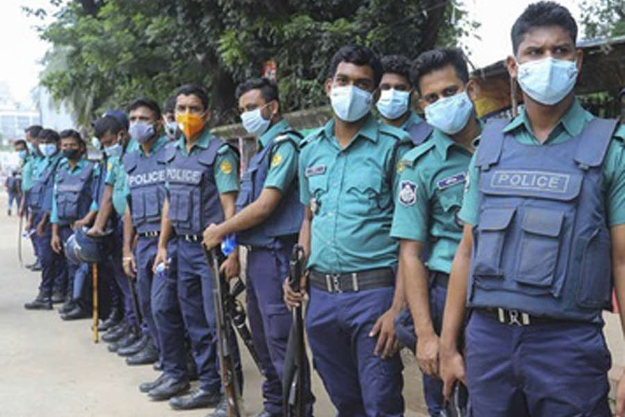 10,000 policemen seek compensation for COVID-19 infection