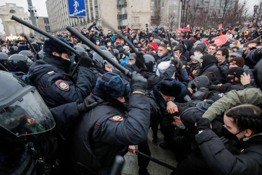 Law enforcement officers clash with participants during a rally in support of jailed Russian opposition leader Alexei Navalny in Moscow, Russia, January 23, 2021 — Reuters/Files